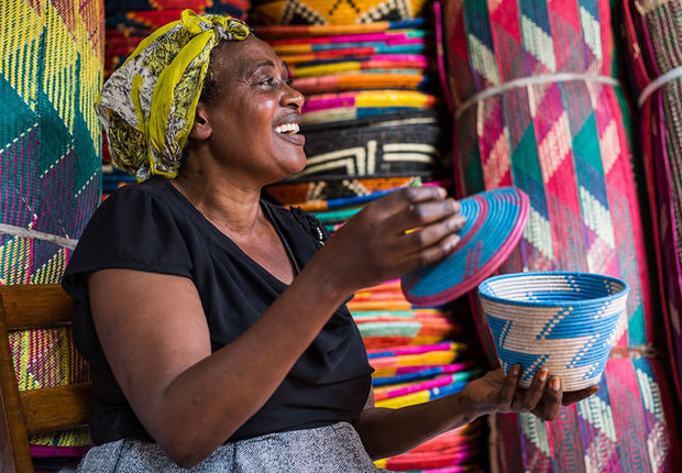 2CG_S1_Woman_Uganda_230119_wl